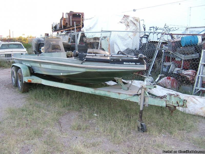 CAJUN 18 FT BASS BOAT