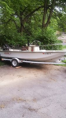 1989 BOSTON WHALER MONTAUK , JOHNSON 80HP OUTBOARD w/Trailer