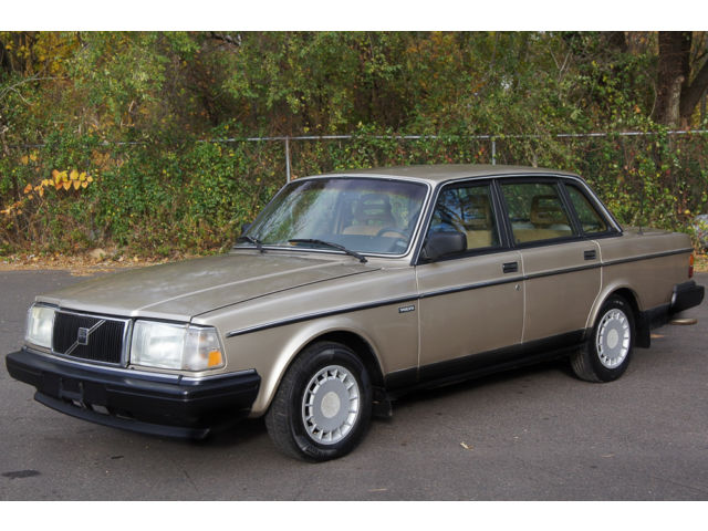 Volvo : 240 4dr Sedan DL 1990 volvo 240 automatic legendary reliability low miles