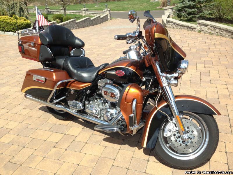 Harley Davidson Screaming Eagle CVO Electric Glide