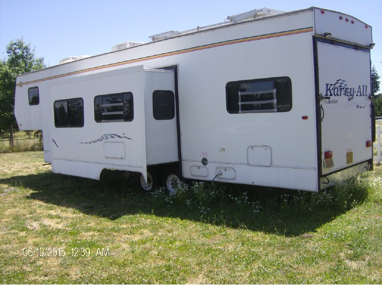 2004 Komfort Karry-All 36FKA
