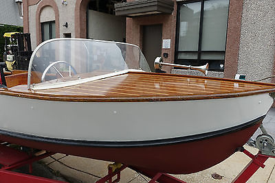 Boat Cadillac Marine 1958 Runabout excellent condition