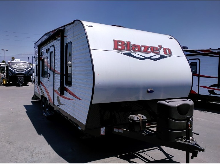 2016 Pacific Coachworks Blazen 21FS