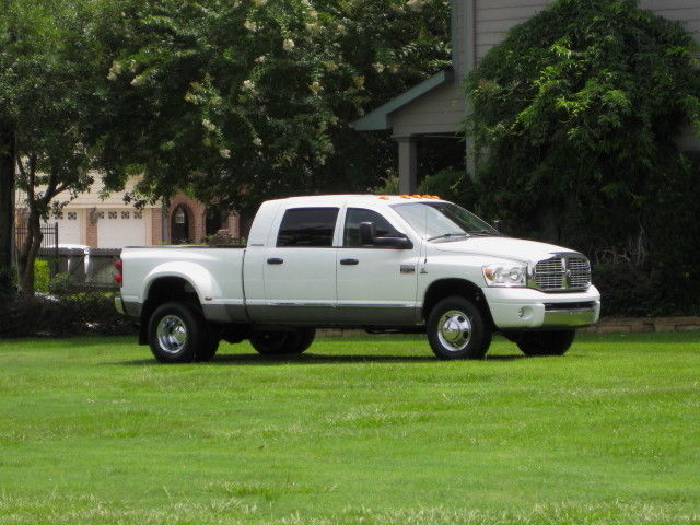 Dodge : Ram 3500 5.9L DIESEL MEGA CAB DUALLY ( LARAMIE ) NAVIGATION! HARD LOADED... 4x4 DIESEL. SUPER CLEAN