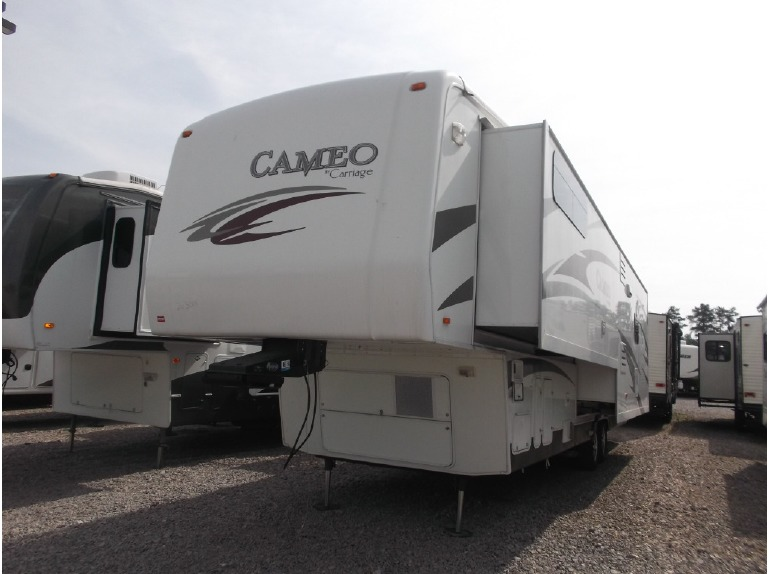 2010 Carriage Cameo 36FWS
