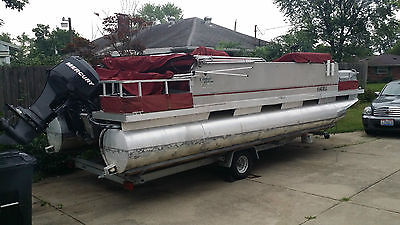 PONTOON BOAT NEW ENGINE AND NEW TRAILER