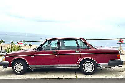 Volvo : 240 VOLVO 240 SEDAN 1991 wSUNROOF, RED wBLACK INTERIOR