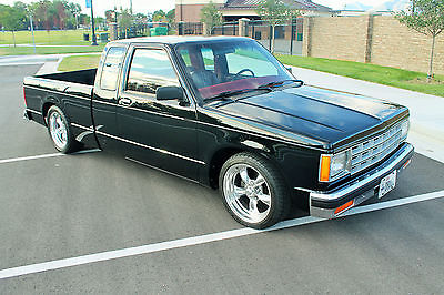 Chevrolet : S-10 Extended Cab 1983 chevy s 10 v 8 fully restored beautiful truck