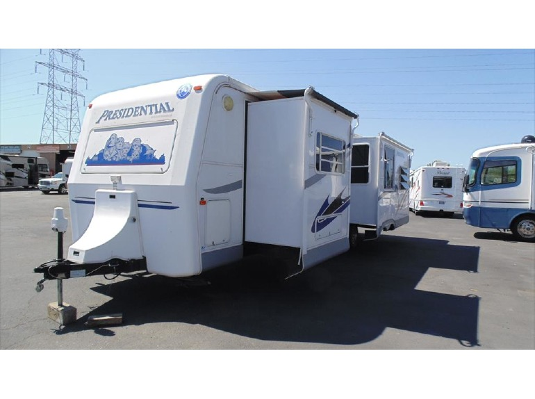 2004 Holiday Rambler Presidential 34SKD w/2slds