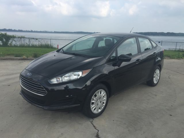 Ford : Fiesta 4dr Sdn S 2014 ford fiesta sedan automatic transmission clean rebuilt title no reserve