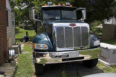 Other Makes : Peterbilt 335 Chrome  Peterbilt 335 (PETE TK) Truck - Special make with 4 Doors