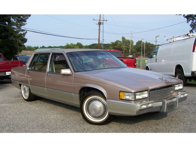 Cadillac : Fleetwood 1-OWNER 11K VOUGES A SHOWROOM TURN KEY PAMPERED 1! A-MINT-SHOW-QUALITY-COLLECTOR-LEATHER-4.5L-AC-NON-SIXTY-SERIES-DEVILLE-SPECIAL