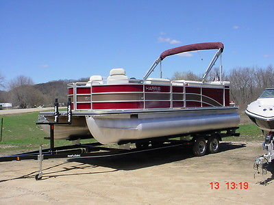 Harris Cruiser FX220 Cruiser Mercury 115hp Tritoon Pontoon boat ski fish finder