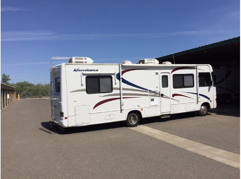 Thor motor coach hurricane 29d rvs for sale for Thor motor coach hurricane