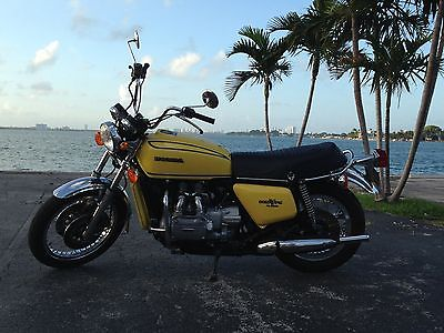 Honda : Gold Wing 1976 goldwing yellow