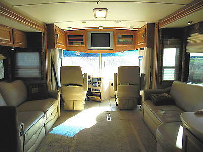 2006 Winnebago Tour 40KD Motorhome