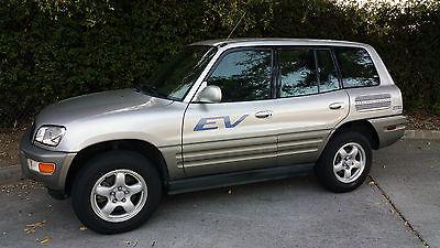 Toyota : RAV4 EV 2002 toyota rav 4 ev electric vehicle suv