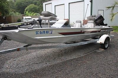 1990 17' Bass Tracker Pro w/ 1990 Evinrude 60HP Outboard & Trailer. Make Offer!