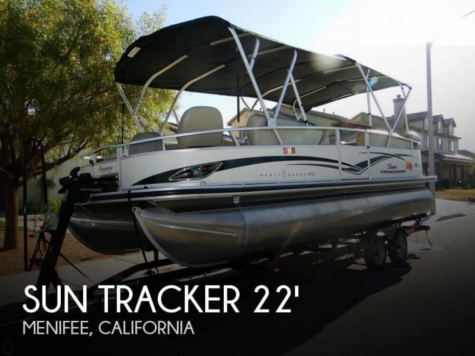 2011 Sun Tracker Party Barge 22 Sport Fish Regency