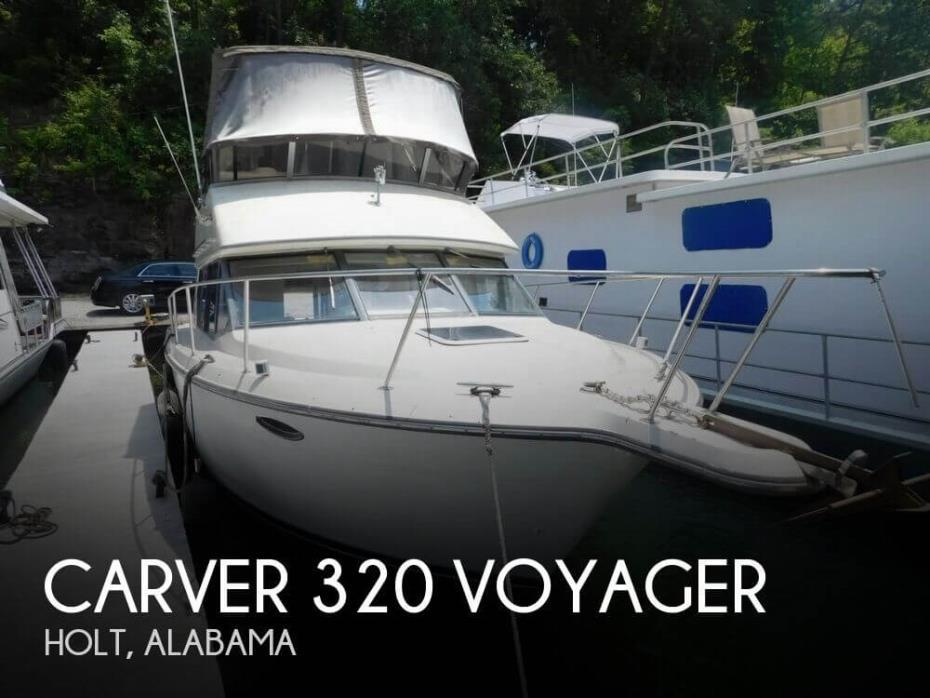 1995 Carver 320 Voyager