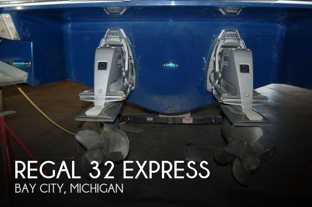 2015 Regal 32 Express
