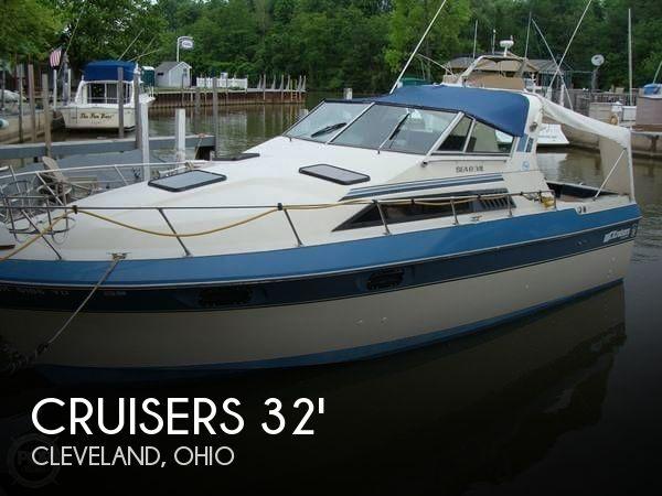 1984 Cruisers Yachts 291 Sea Devil