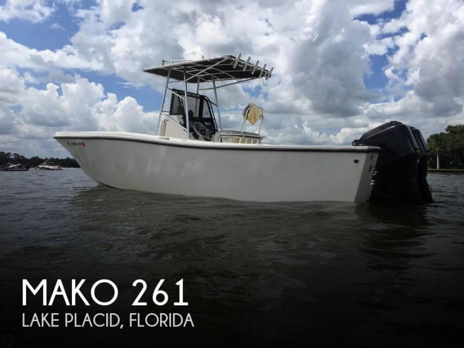 1990 Mako 261
