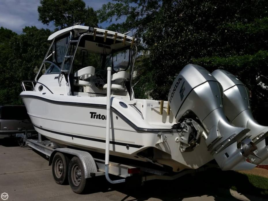 2005 Triton 2690 Walk Around