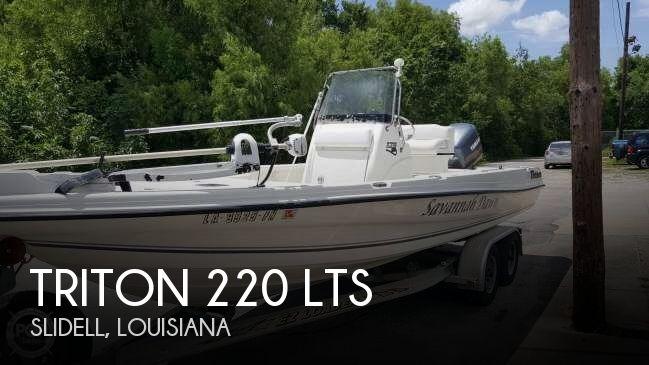 2004 Triton 220 LTS