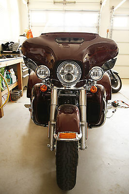 Harley-Davidson : Touring Mysterious Red Sunglo Harley-Davidson Tri Glide Ultra
