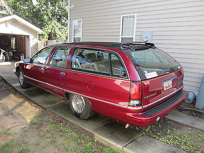Chevrolet : Caprice Classic Wagon 4-Door 96 chevy station wagon 5.7 l lt 1 3 seats 141 k mi drives great vgc salvage title