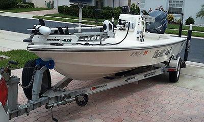 2013 Hewes 18 Redfisher - Yamaha 150 4 Stroke 90 hours