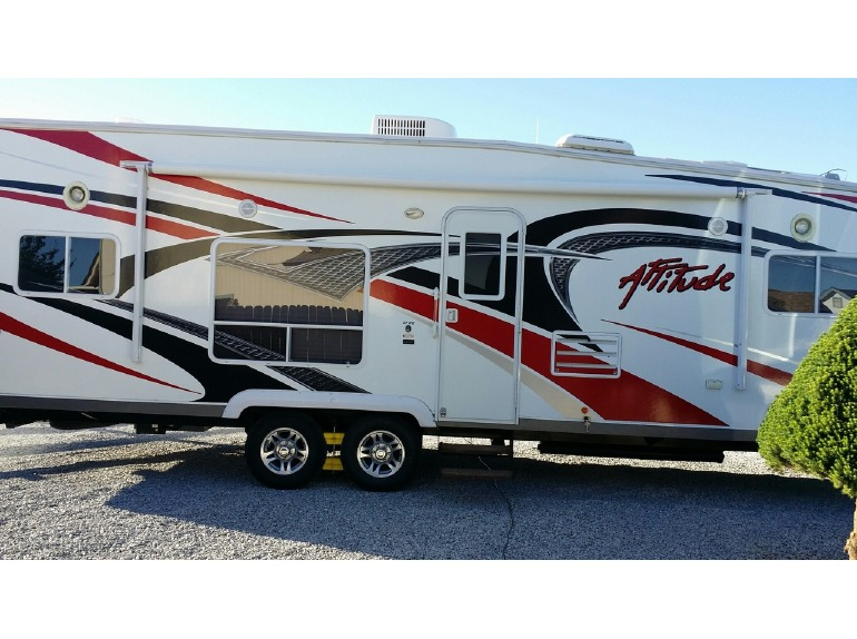 2012 Eclipse Recreational Vehicles Attitude