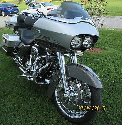 Harley-Davidson : Touring 2009 harley davidson fltrse 3 screamin eagle road glide cvo