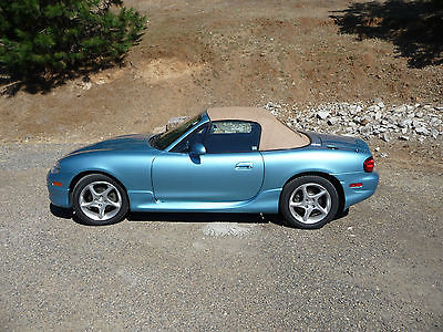 Mazda : MX-5 Miata Nardi Torino 2-door convertible 2001 mazda miata soft top with only 48 000 miles and in great condition