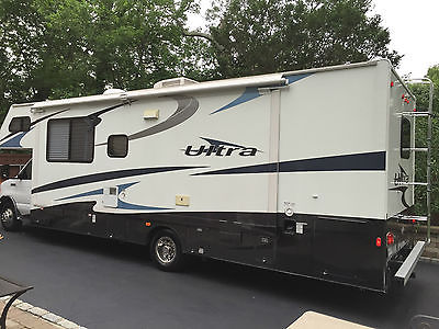 2007 Gulf Stream Ultra, Limited Edition, Full Wall Slide, Ford V-10, 31' Class C