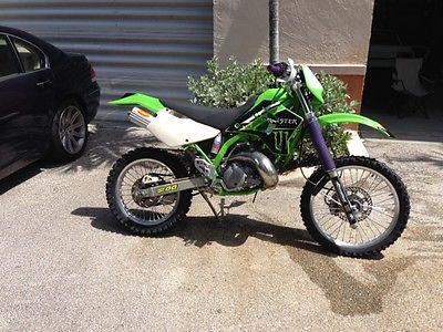 Kawasaki : KDX Kawasaki KDX 200 Dirt Bike