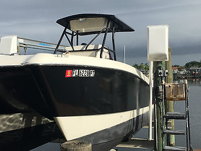 1999 World Cat 266 SF (Center Console) w/2005 225 hp Yamaha 4 strokes