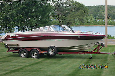 1992 Four Winns Boat - 7.4L Engine - King Cobra Outdrive - Very Clean