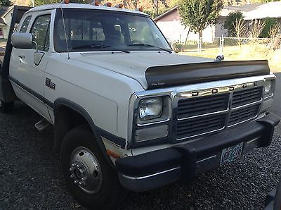 Dodge : Ram 3500 LE 93 dodge 5.9 diesel cummins ext cab dually 5 speed 132 k miles loaded flatbed, 0