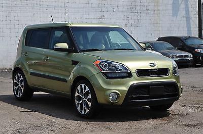 Kia : Soul Exclaim Hatchback 4-Door Only 18K Sunroof Navigation Keyless Go Backup Camera Alloys Rebuilt Forte 14 12