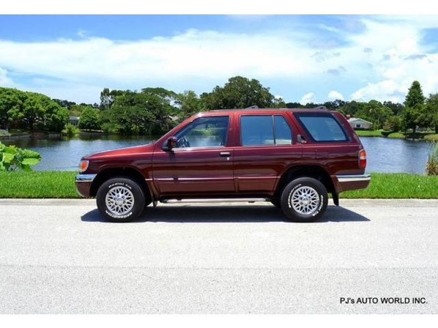Nissan : Pathfinder LE 4dr 4X4 S ONE OF THE CLEANEST , LOW MILEAGE , LEATHER , TINTED GLASS , SERVICE RECORDS