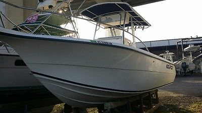 2001 Sea Fox 257 Center Console with 225 Mercury Optimax