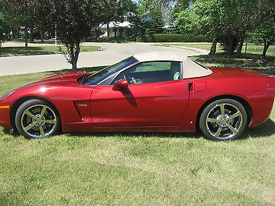 Chevrolet : Corvette 3LT Convertible, 3LT, 6 Speed Manual, Crystal Red w Cashmere Interior, Navigation