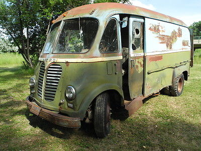 International Harvester : Other Van 1950 s international metro delivery van culligan water bread milk sd 220 lm 150