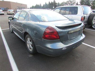 Pontiac : Grand Prix 4dr Sedan 4 dr sedan automatic gasoline 3.8 l v 6 cyl gray