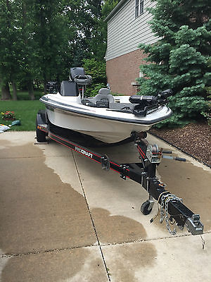 1999 PROCRAFT BASS BOAT, OPTIMAX MOTOR, AND PROCRAFT 2 AXEL TRAILER LIKE NEW!!!.