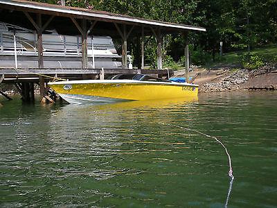 Donzi 22 Classic Powerboat 454 Magnum