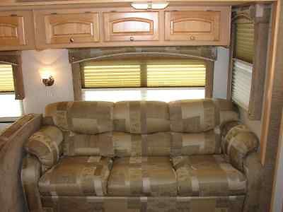 2004 Damon Intruder Motorhome 38' RV
