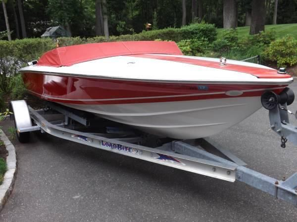Donzi Sweet 16 Speedboat New Engine with Trailer Excellent Condition!